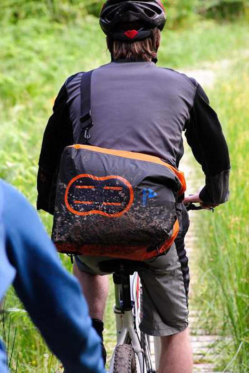 Водонепроницаемая сумка Aquapac 025 - Stormproof Padded Dry Bag.. Aquapac - №1 в мире водонепроницаемых чехлов и сумок. Фото 3