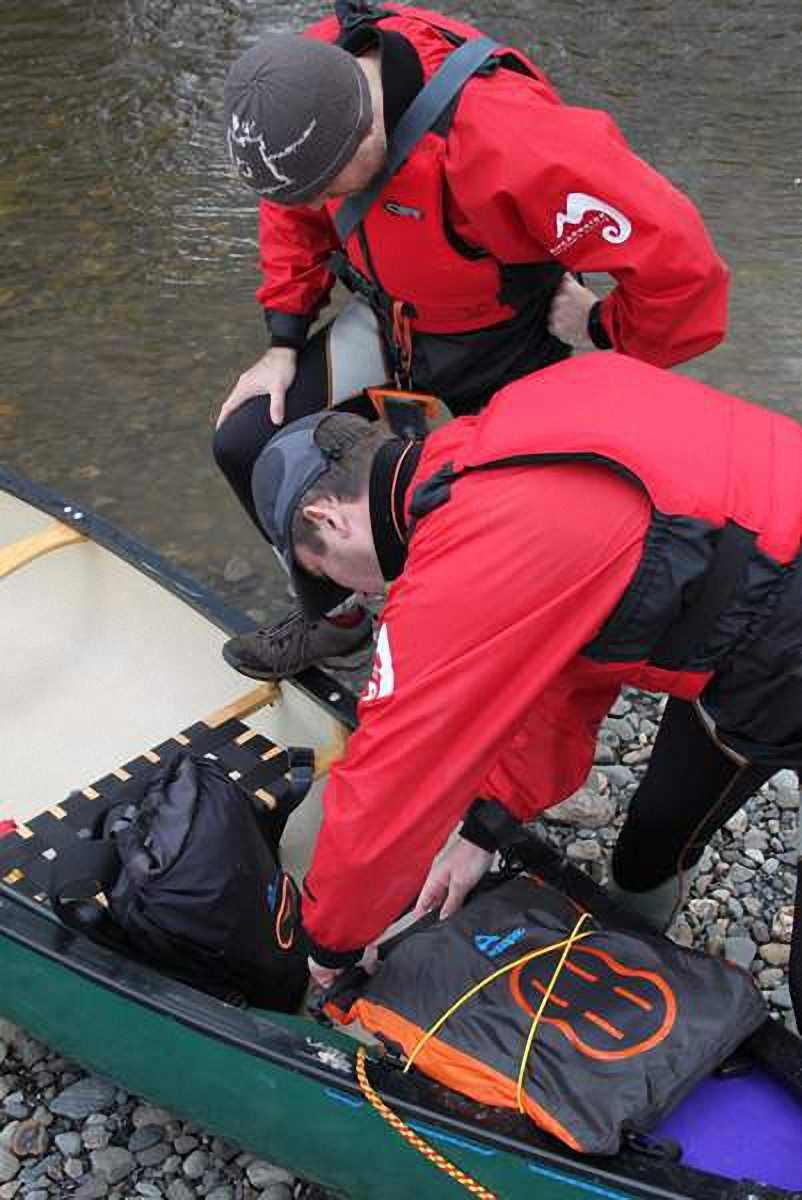 Водонепроницаемая сумка Aquapac 025 - Stormproof Padded Dry Bag.. Aquapac - №1 в мире водонепроницаемых чехлов и сумок. Фото 4
