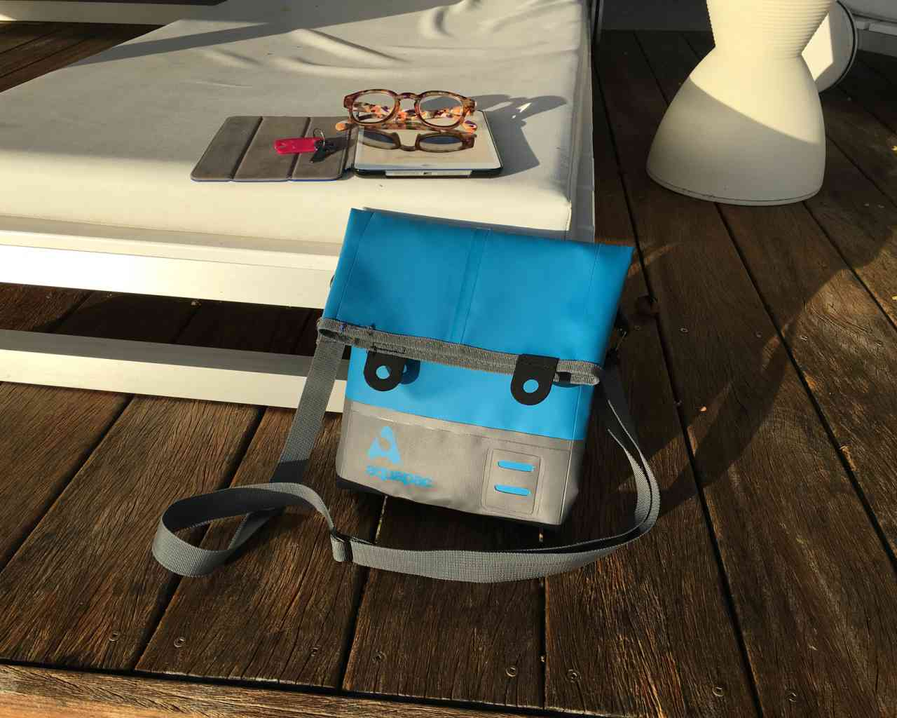 Брызгозащитная сумка Aquapac 052 - TrailProof™ Tote Bag – Small.. Aquapac - №1 в мире водонепроницаемых чехлов и сумок. Фото 6