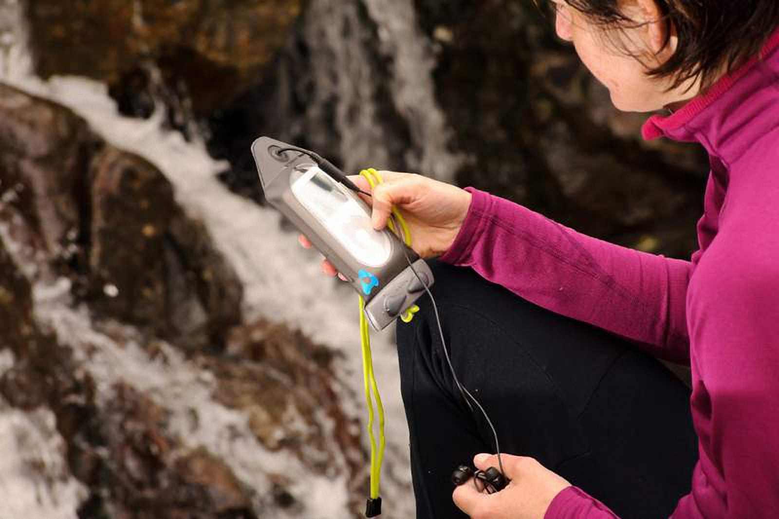Водонепроницаемый чехол Aquapac 518 - Connected Electronics Case.. Aquapac - №1 в мире водонепроницаемых чехлов и сумок. Фото 2