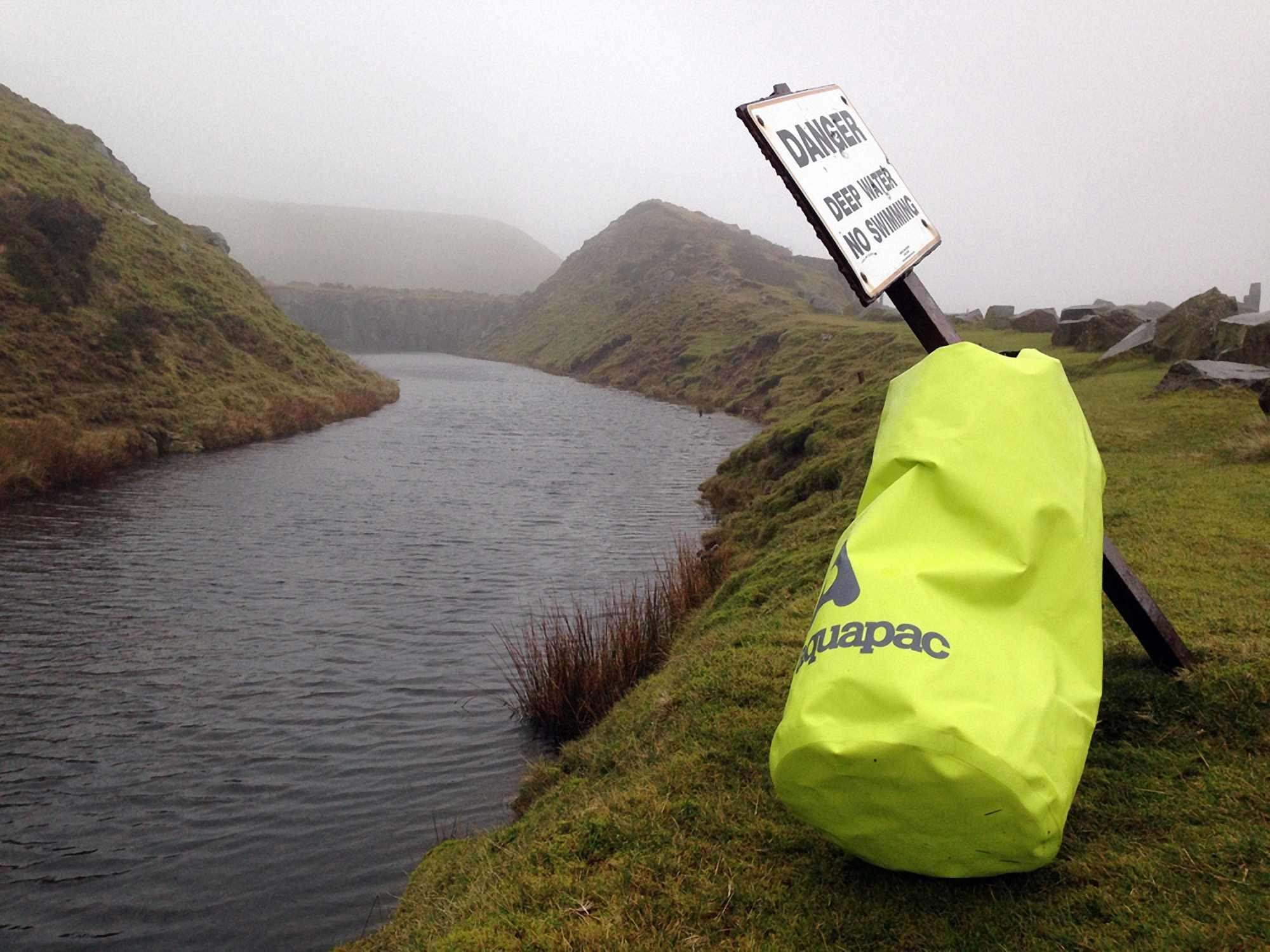 Водонепроницаемый гермомешок Aquapac 717 - TrailProof  Drybags - 70L.. Aquapac - №1 в мире водонепроницаемых чехлов и сумок. Фото 1