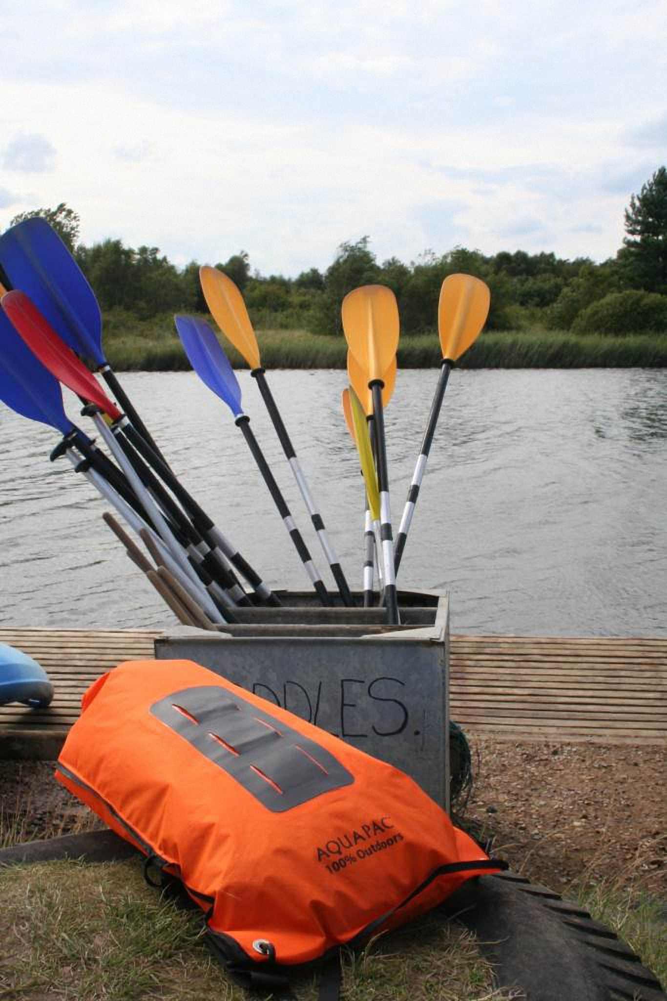 Водонепроницаемый  гермомешок-рюкзак (с двумя плечевыми ремнями) Aquapac 761 - Noatak Wet & Drybag - 15L.. Aquapac - №1 в мире водонепроницаемых чехлов и сумок. Фото 11