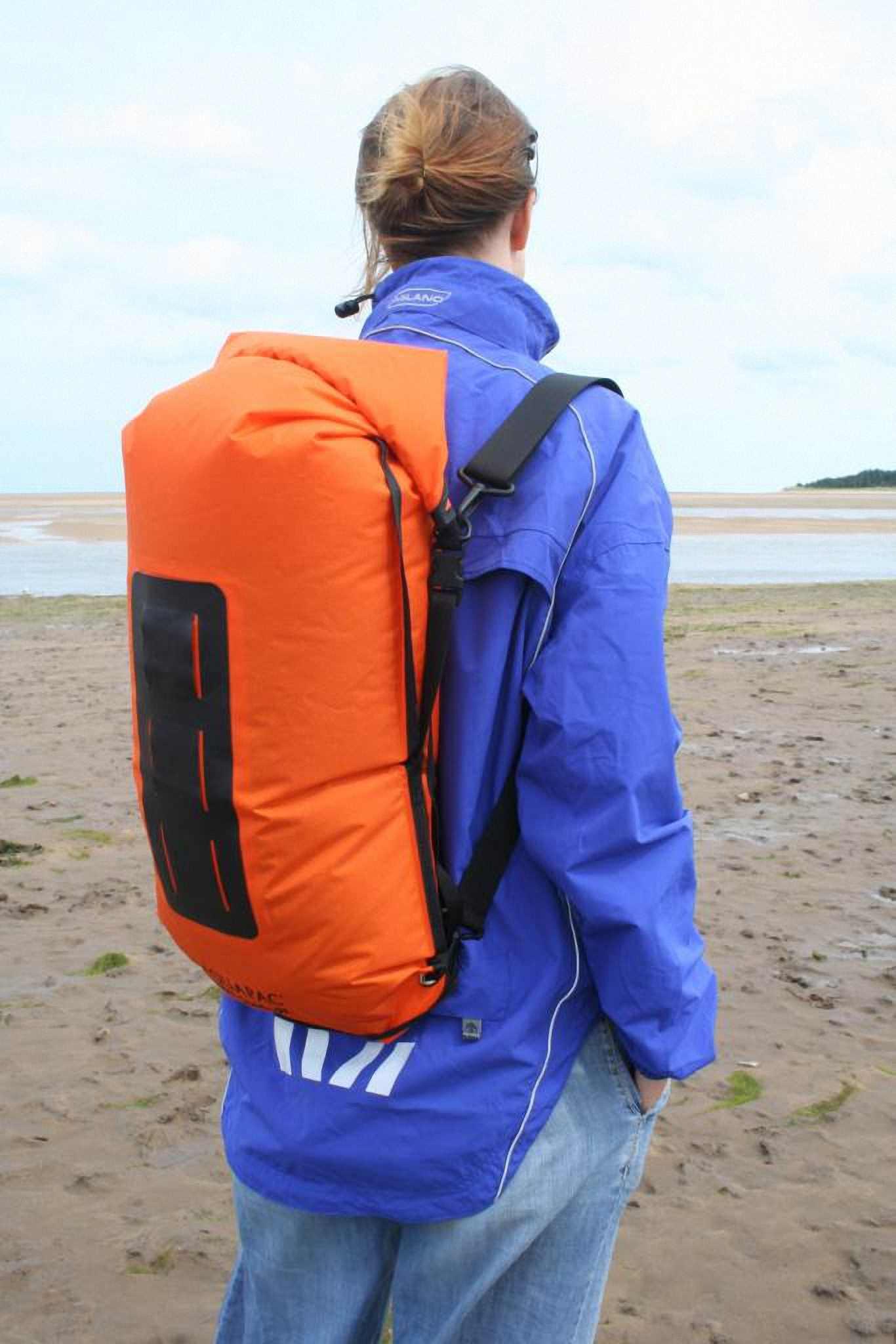Водонепроницаемый  гермомешок-рюкзак (с двумя плечевыми ремнями) Aquapac 761 - Noatak Wet & Drybag - 15L.. Aquapac - №1 в мире водонепроницаемых чехлов и сумок. Фото 3