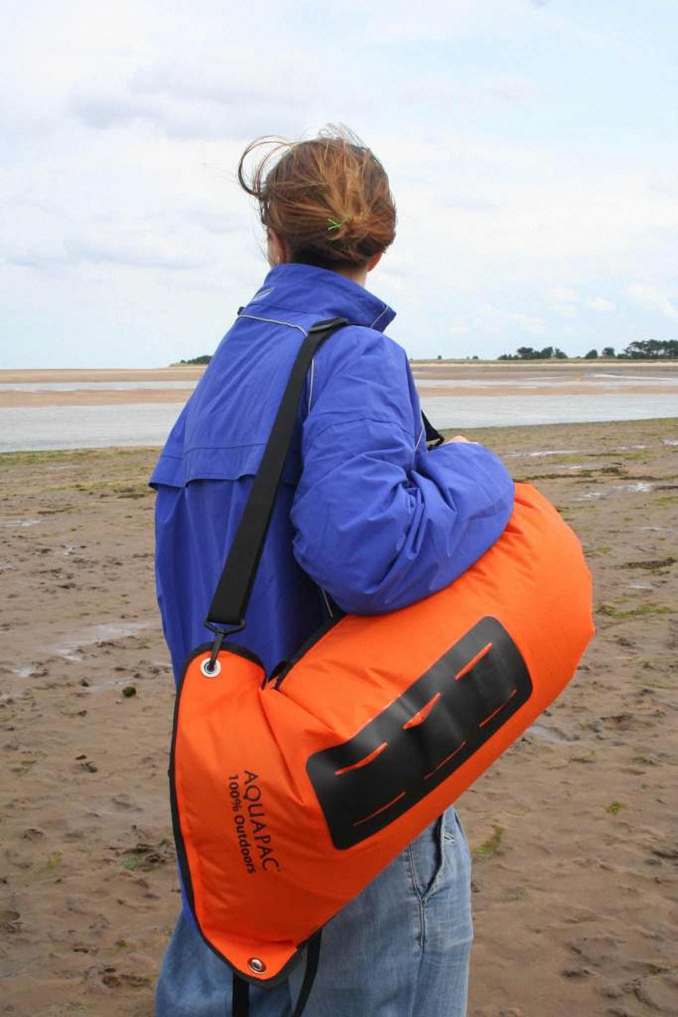 Водонепроницаемый  гермомешок-рюкзак (с двумя плечевыми ремнями) Aquapac 761 - Noatak Wet & Drybag - 15L.. Aquapac - №1 в мире водонепроницаемых чехлов и сумок. Фото 4