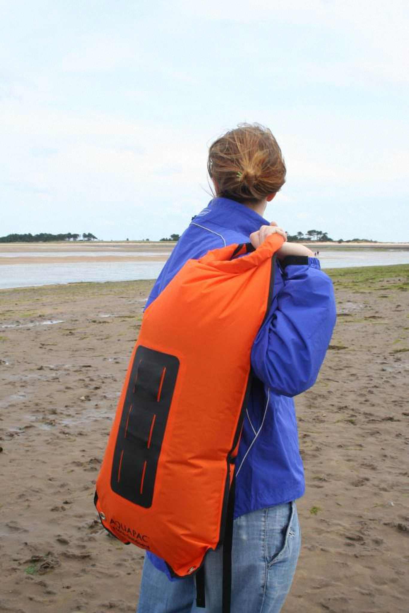 Водонепроницаемый  гермомешок-рюкзак (с двумя плечевыми ремнями) Aquapac 761 - Noatak Wet & Drybag - 15L.. Aquapac - №1 в мире водонепроницаемых чехлов и сумок. Фото 5