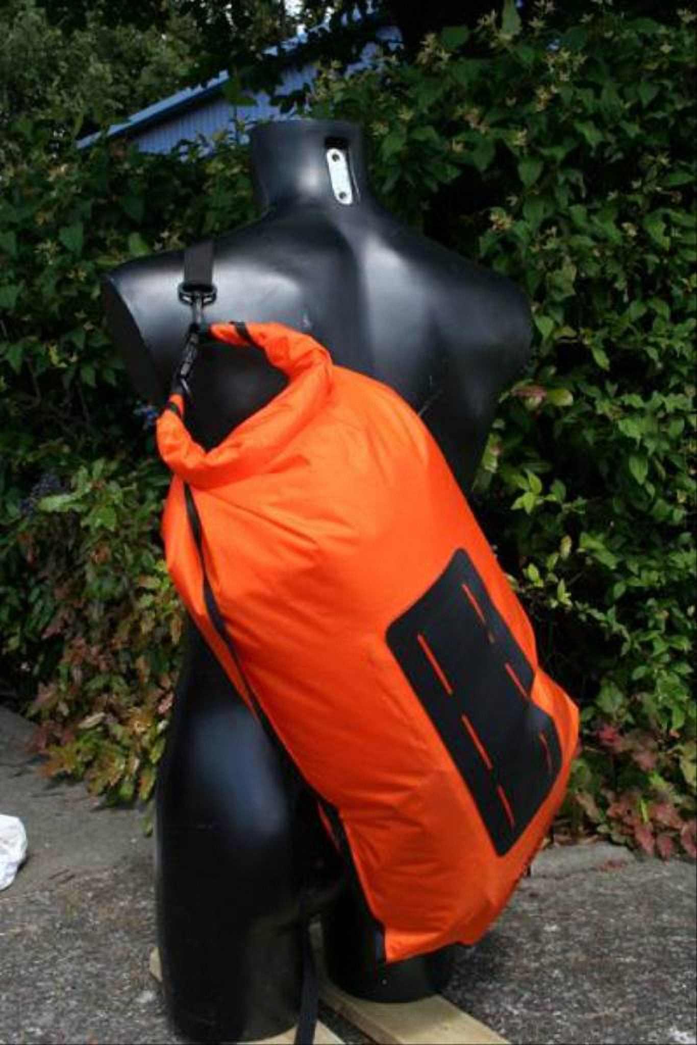 Водонепроницаемый  гермомешок-рюкзак (с двумя плечевыми ремнями) Aquapac 761 - Noatak Wet & Drybag - 15L.. Aquapac - №1 в мире водонепроницаемых чехлов и сумок. Фото 6