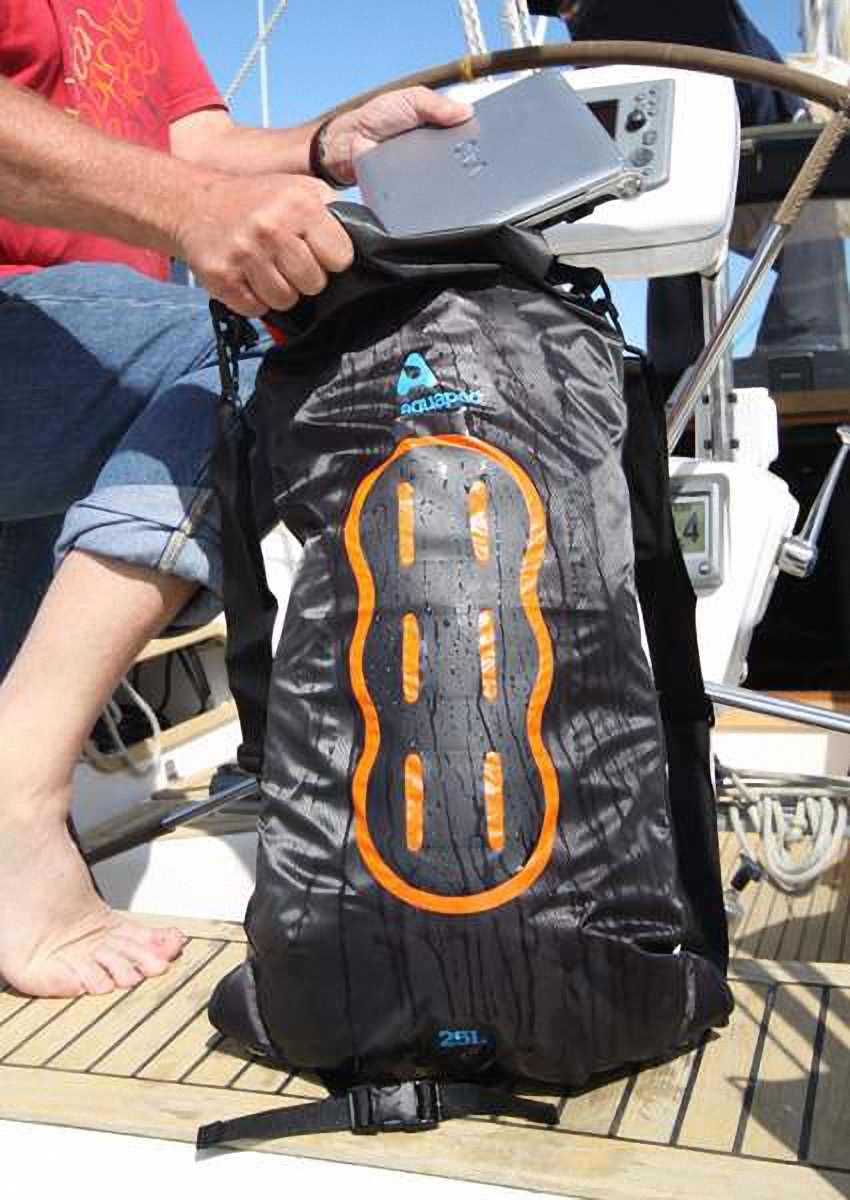 Водонепроницаемый  гермомешок-рюкзак (с двумя плечевыми ремнями) Aquapac 768 - Noatak Wet & Drybag - 15L.. Aquapac - №1 в мире водонепроницаемых чехлов и сумок. Фото 7