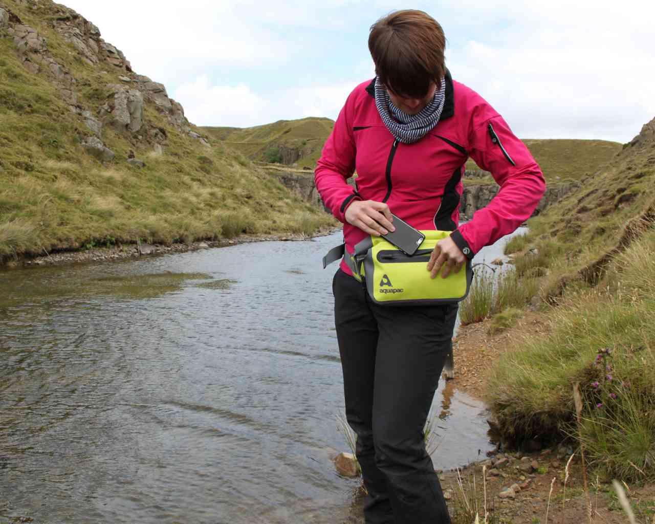 Водонепроницаемый чехол для документов - Aquapac 821. Aquapac - №1 в мире водонепроницаемых чехлов и сумок. Фото 7