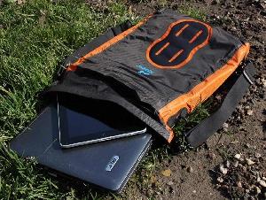 Водонепроницаемая сумка Aquapac 025 - Stormproof Padded Dry Bag.. Aquapac - №1 в мире водонепроницаемых чехлов и сумок. Фото 7
