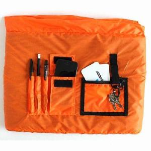 Водонепроницаемая сумка Aquapac 026 - Stormproof Messenger Bag.. Aquapac - №1 в мире водонепроницаемых чехлов и сумок. Фото 3