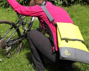 Брызгозащитная сумка Aquapac 053 - TrailProof™ Tote Bag – Large.. Aquapac - №1 в мире водонепроницаемых чехлов и сумок. Фото 5