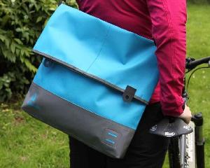 Брызгозащитная сумка Aquapac 054 - TrailProof™ Tote Bag – Large.. Aquapac - №1 в мире водонепроницаемых чехлов и сумок. Фото 3