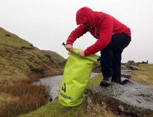 Водонепроницаемый гермомешок Aquapac 715 - TrailProof  Drybags - 25L.. Aquapac - №1 в мире водонепроницаемых чехлов и сумок. Фото 5