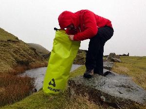 Водонепроницаемый гермомешок Aquapac 717 - TrailProof  Drybags - 70L.. Aquapac - №1 в мире водонепроницаемых чехлов и сумок. Фото 2