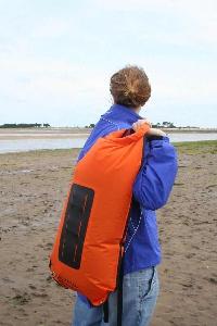 Водонепроницаемый  гермомешок-рюкзак (с двумя плечевыми ремнями) Aquapac 760 - Noatak Wet & Drybag - 15L.. Aquapac - №1 в мире водонепроницаемых чехлов и сумок. Фото 5