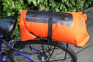 Водонепроницаемый  гермомешок-рюкзак (с двумя плечевыми ремнями) Aquapac 761 - Noatak Wet & Drybag - 15L.. Aquapac - №1 в мире водонепроницаемых чехлов и сумок. Фото 8