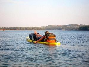 Водонепроницаемый  гермомешок-рюкзак (с двумя плечевыми ремнями) Aquapac 768 - Noatak Wet & Drybag - 15L.. Aquapac - №1 в мире водонепроницаемых чехлов и сумок. Фото 3