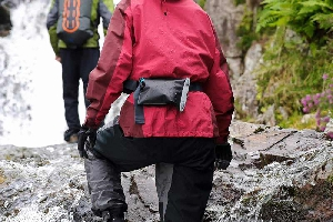 Водонепроницаемый чехол для документов - Aquapac 828. Aquapac - №1 в мире водонепроницаемых чехлов и сумок. Фото 4